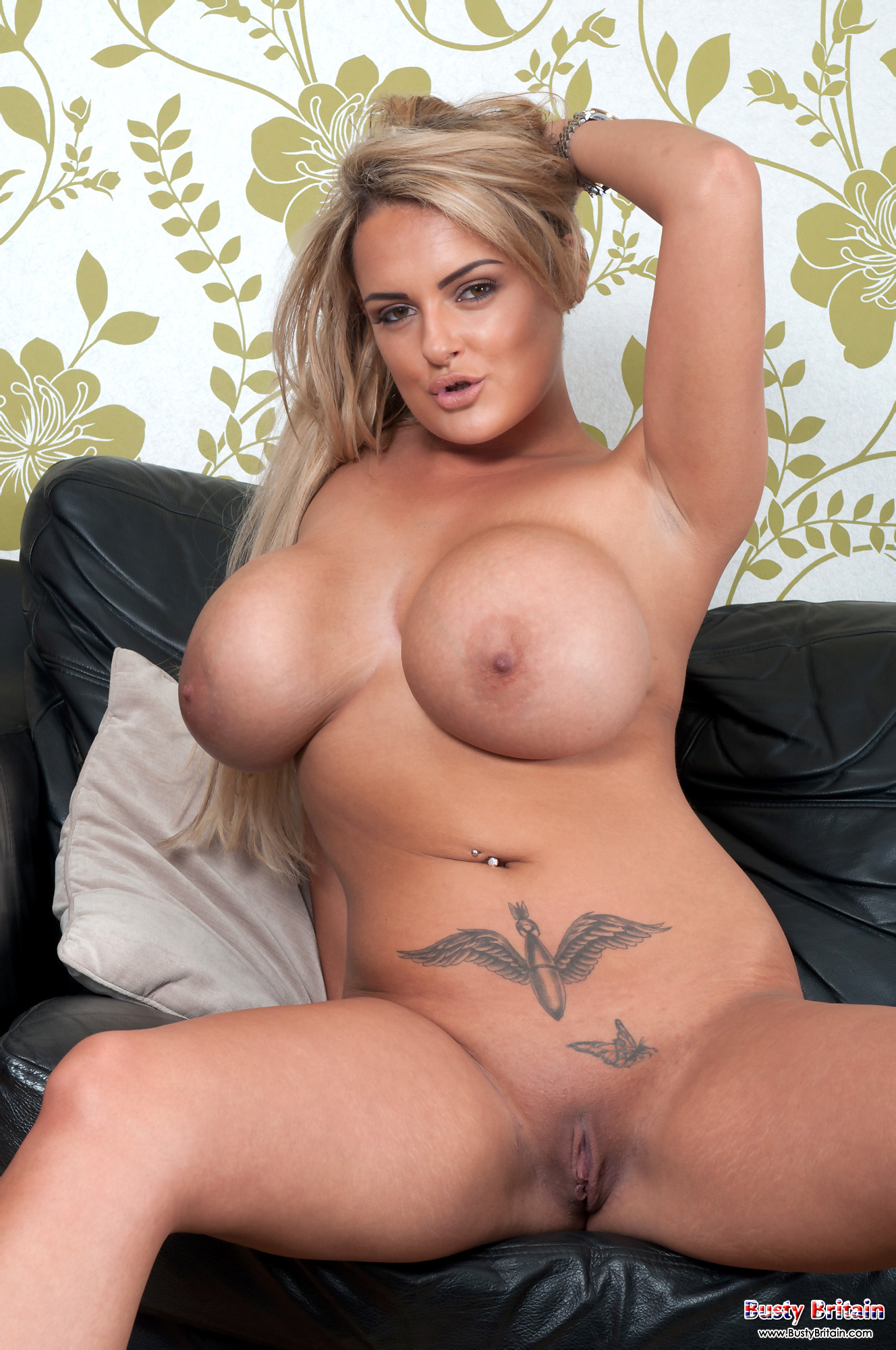 Short haired blonde katie hill loving her first time fuck 8