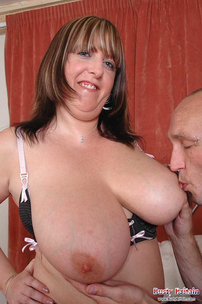 marie-louise-pics-british-tits-brown-golden-shower